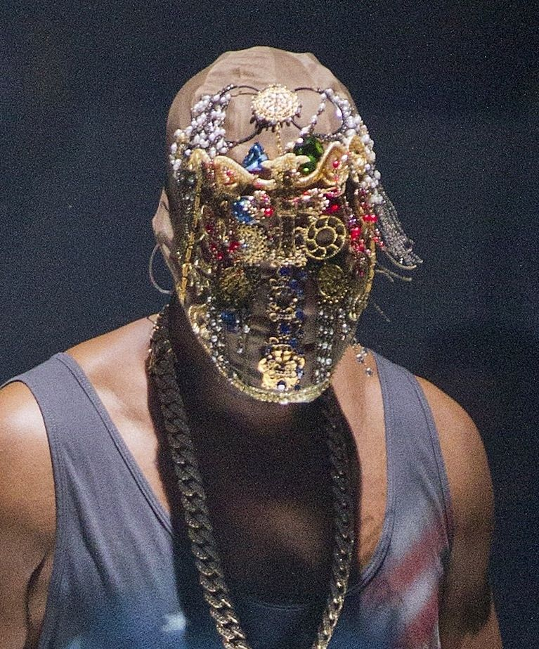 Kanye Sports More Crazy Masks During Concert Kanye West Mask Kanye West Kanye West Yeezus