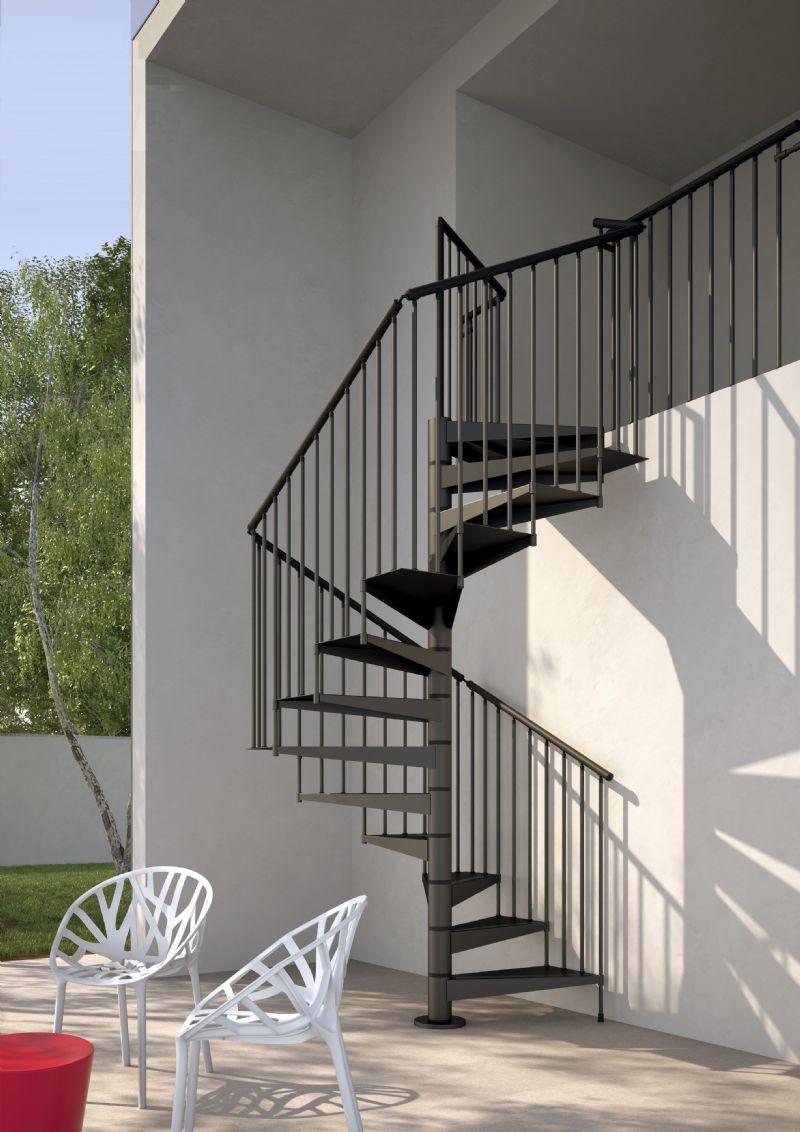 Consejos para decorar escaleras de exterior subiendo for Escalera caracol interior casa