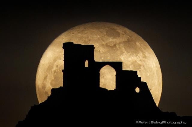 Super moon at stone henge
