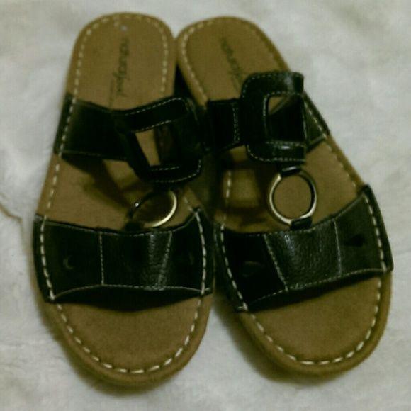 Black natural soul Naturalizer slide on sandal 7.5 Very comfortable soft shoes in excellent condition. Size 7 1/2 M Naturalizer Shoes Sandals