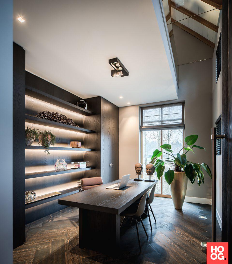 Inrichting werkkamer met luxe bureau Pinterest