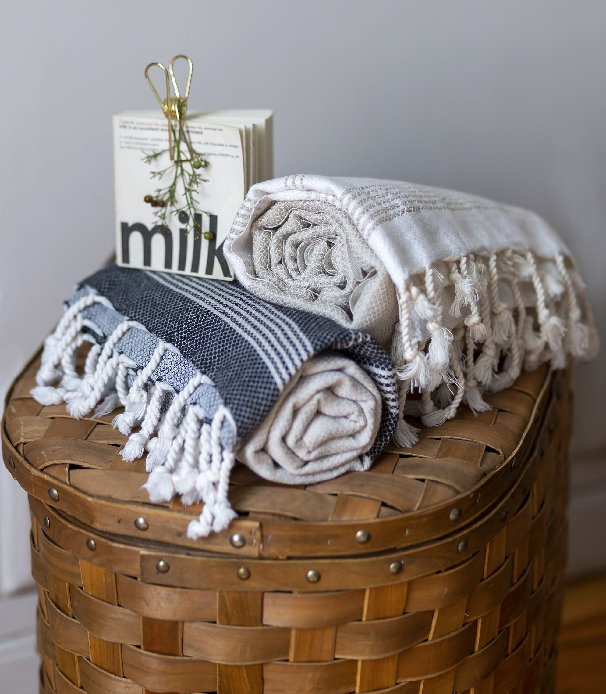 Ecru Linen And Cotton Turkish Bath Towel With Hand Knotted Fringes