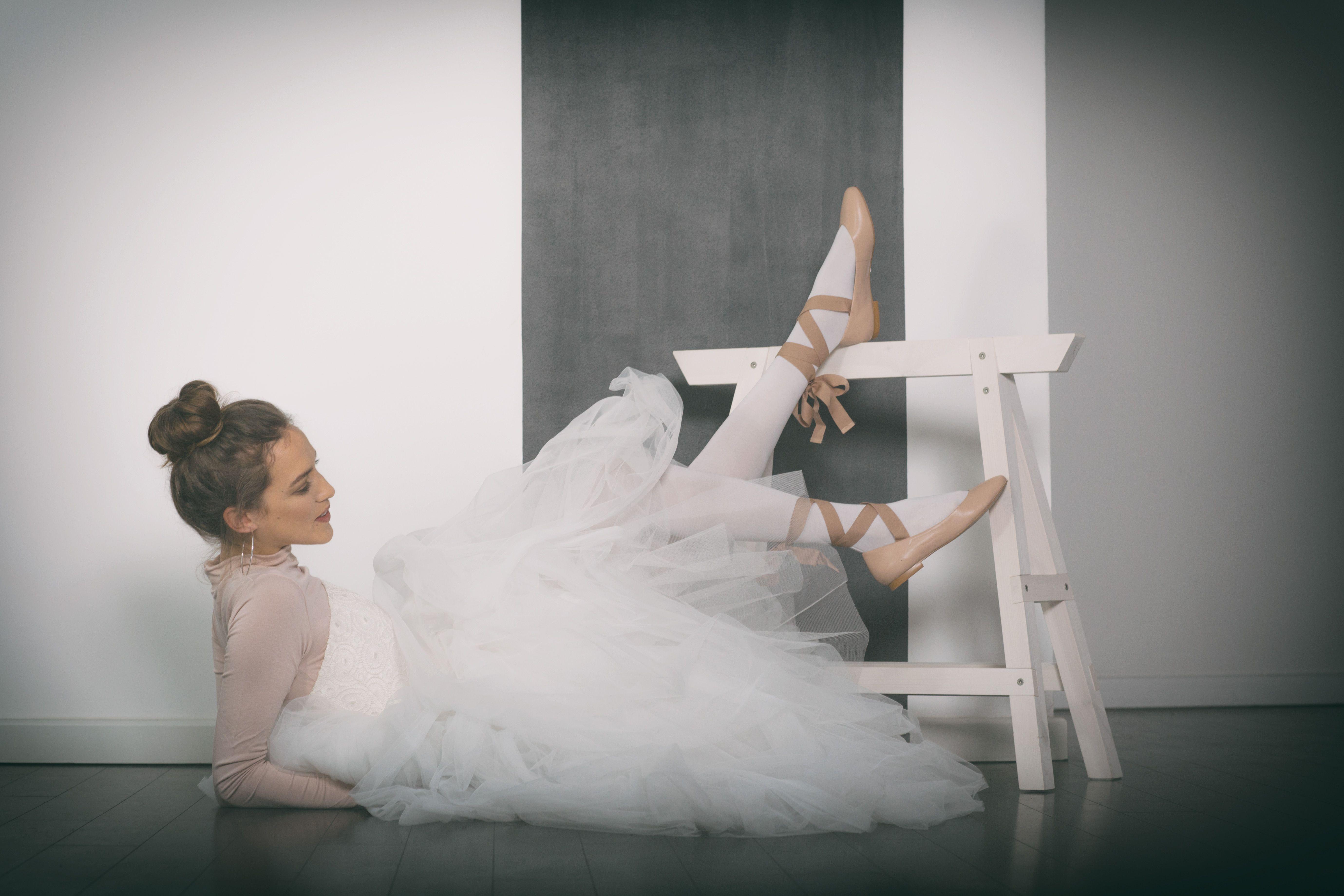 Look: DANCE WITH ME // Brautkleid: HOLLY // Stylist: Karolina ...
