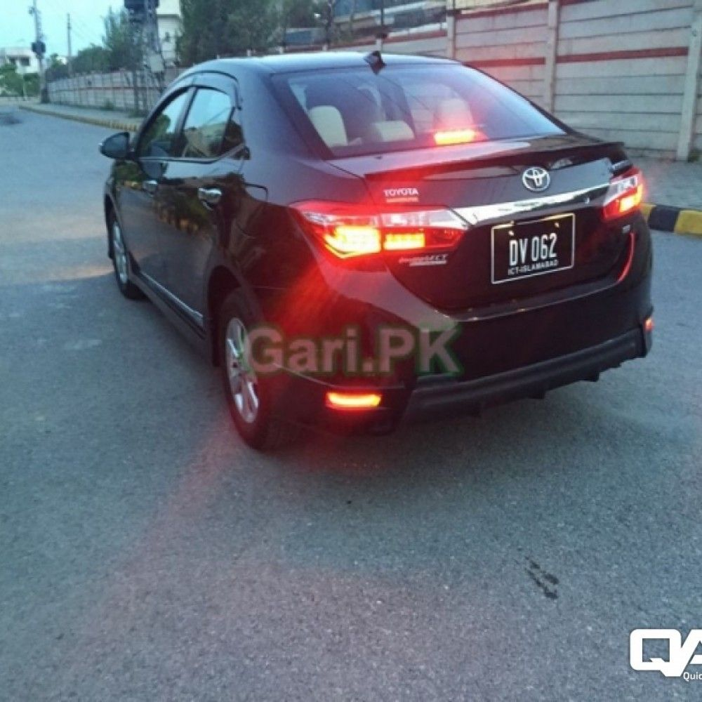 Toyota Corolla Gli Automatic 1 3 Vvti 2015 For Sale In Rawalpindi