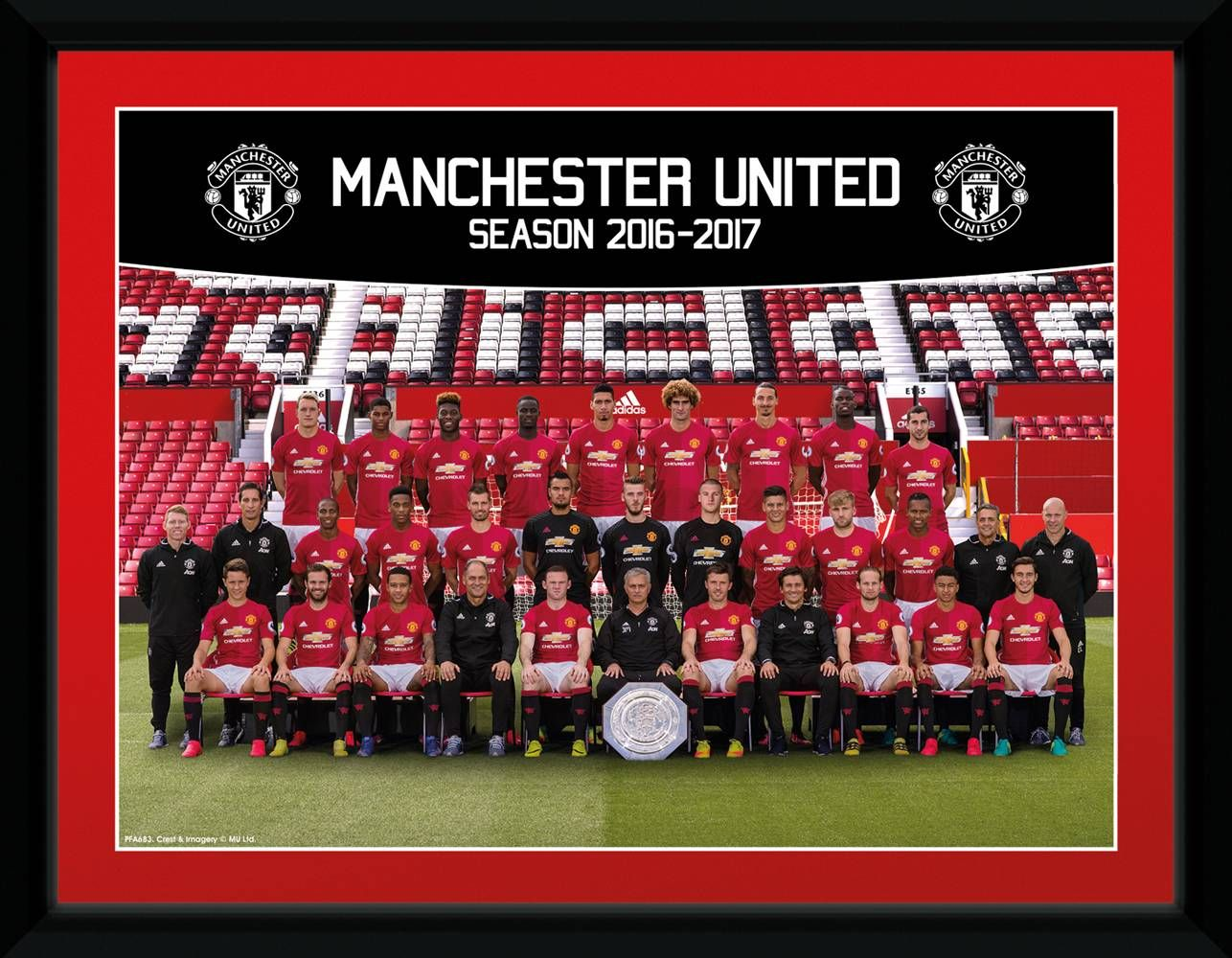 Manchester United Team 16 17 Framed Collector Barcode Ean 5028486363131 Manchester United Team Manchester United Manchester United Poster