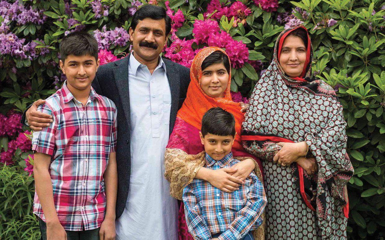 Malala Yousafzai S Life Today Com Imagens Mulheres Marcante