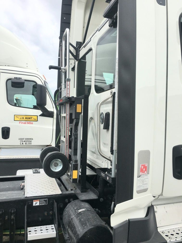 Hts Systems Hts 30dtf 1 Semi Tractor Hand Truck Sentry System Unit Equipped On Freightliner Cascadia Day Cab T Freightliner Cascadia Hand Trucks Cargo Storage