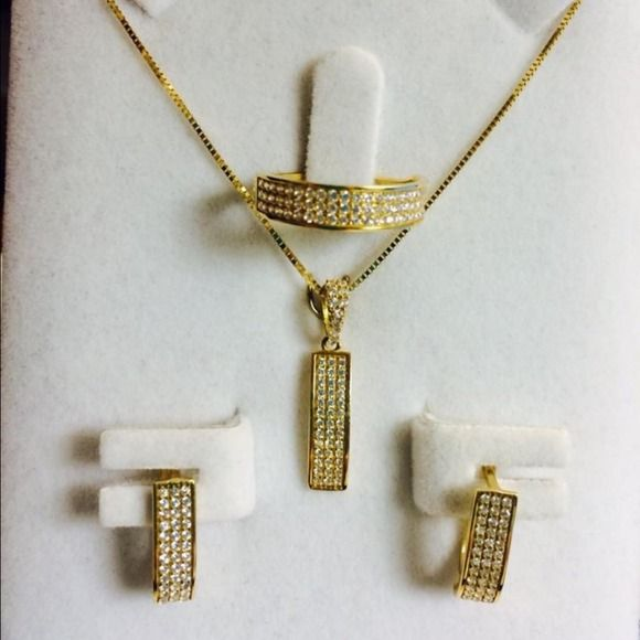 18k SOLID GOLD SET about 6grams Solid gold Gold set and White gold