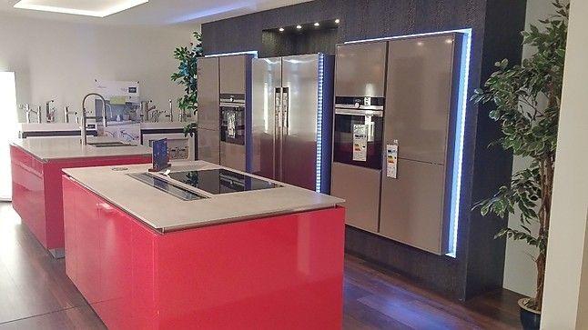 Häcker Musterküche Moderne Küche Mit Eingebauten Hochschränken Und 2 Inseln:  Ausstellungsküche In Eichstätt Von Küche U0026 Raum