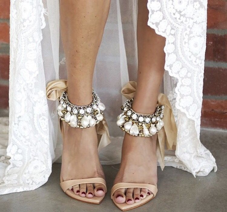 Love this. Pearls and hippieness