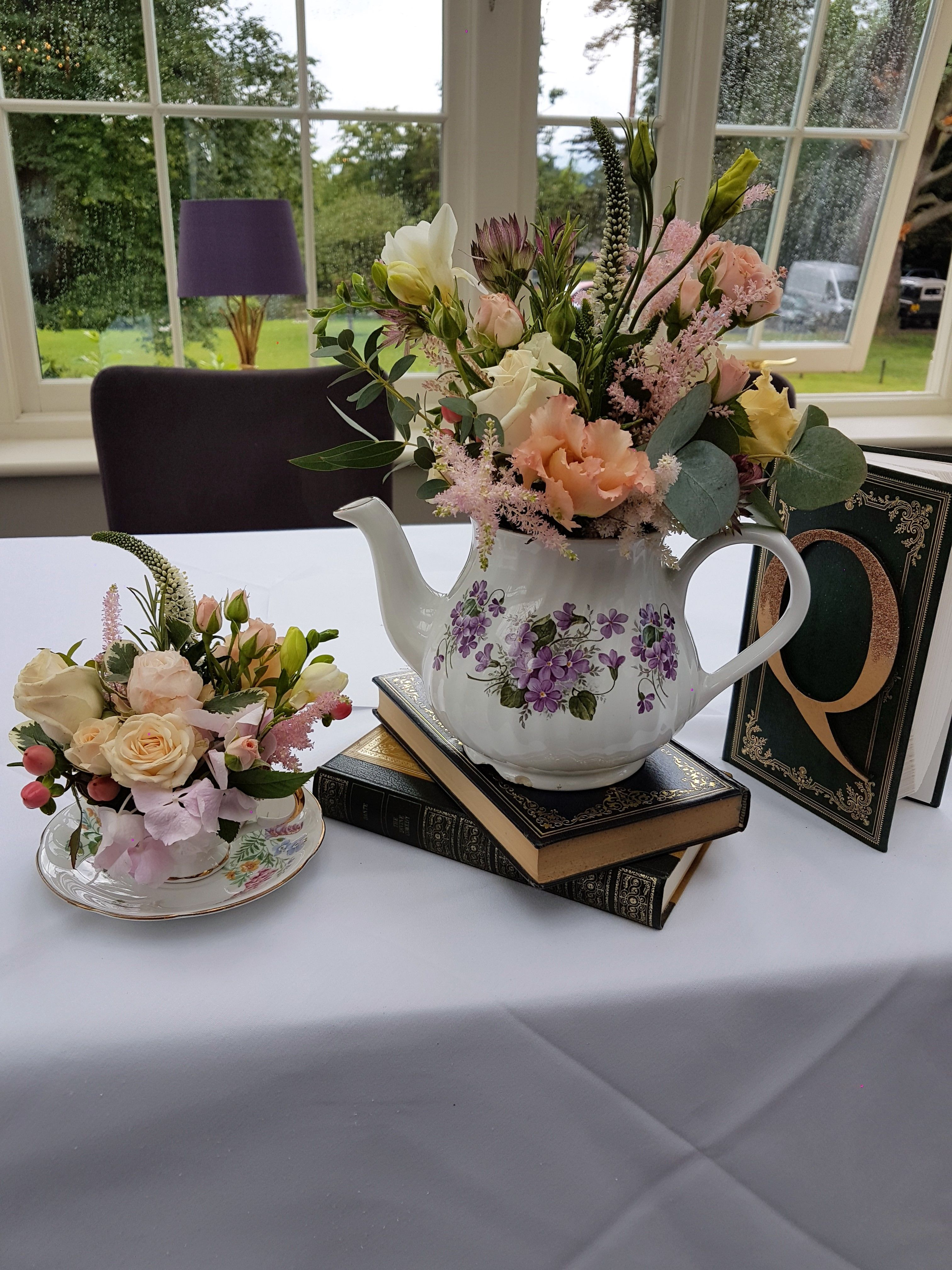 Alice in wonderland themed wedding at st michaels manor st albans willow house flowers aylesbury florist free same day delivery in aylesbury bucks local on line florist for next day local delivery flowers bouquets izmirmasajfo