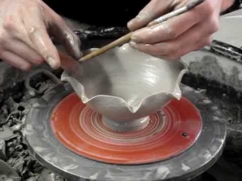 Making A Small Flower Petal Leaf Shaped Pottery Clay Bowl Demo How To Clay Pottery Pottery Pottery Painting Designs