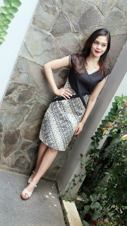 Busana Dress Batik Kombinasi Bahan Polos Terbaru Pinky