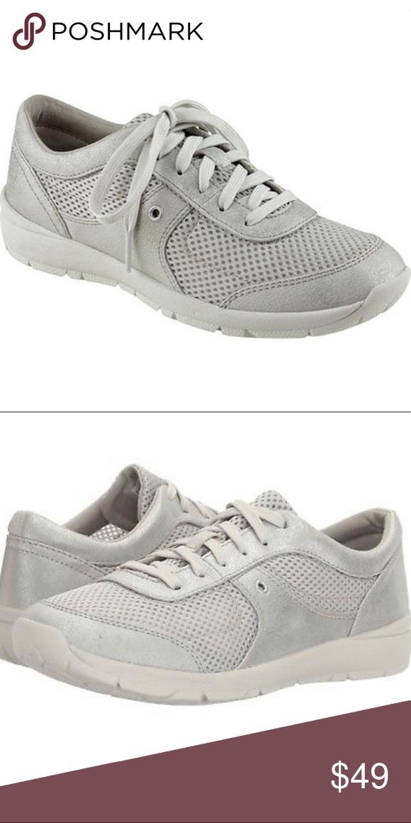 Easy Spirit Sz.8 Gogo Sneaker Silver