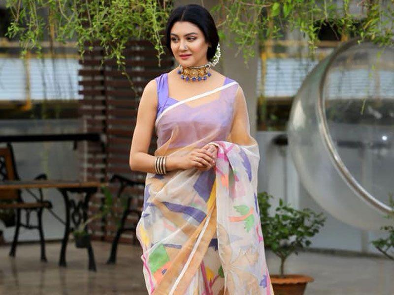 কলকাতায় জয়ার নতুন ছবি 'অর্ধাঙ্গিনী' | Fashion, Bangla news, Sari
