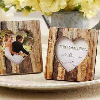 """""""Rustic Romance"""" Faux-Wood Heart Place Card Holder 