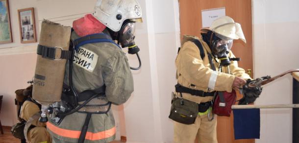 Пожарные тушили условное возгорание в центре Майкопа http://kavkaz.co/1283