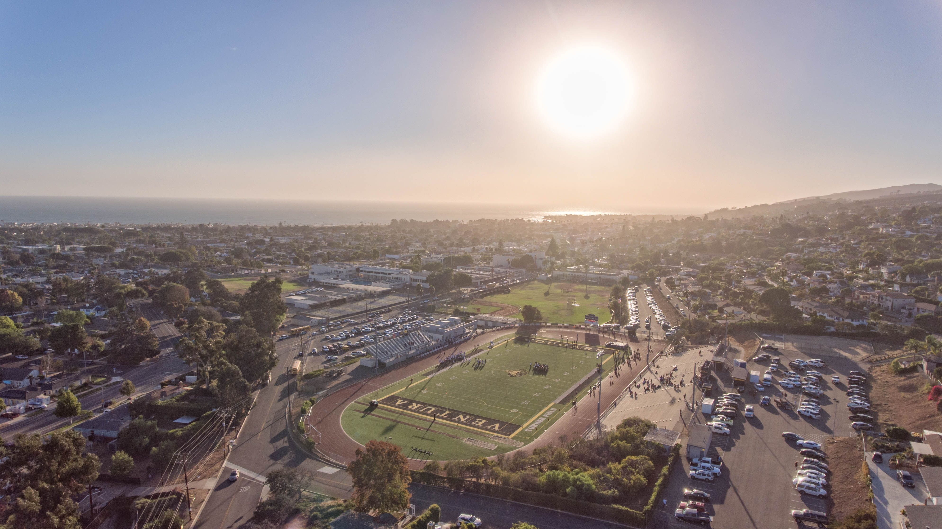 A Shot Of Ventura High School Larrabee Stadium On A Clear And Sunny Ventura Day We Don T Provide Aerial Photography And This Shot Was T Ventura Aerial Oxnard