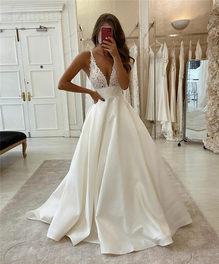 50 Most Gorgeous And Stunning Wedding Dresses You Desire To Have Page 37 Of 50 Cute Hostess For Modern Women In 2020 Online Wedding Dress Wedding Dresses Cheap Wedding Dresses Online