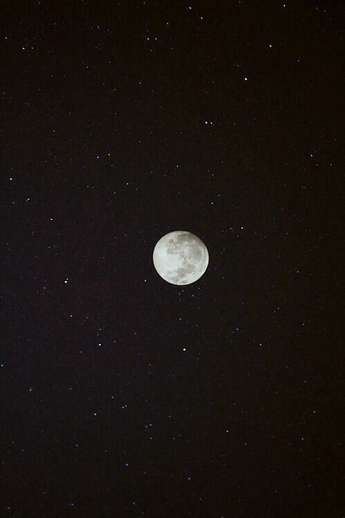 La Theorie Du Tout La Nuit En 6 Photos Fond D Ecran Etoile Clair De Lune Fond D Ecran Telephone
