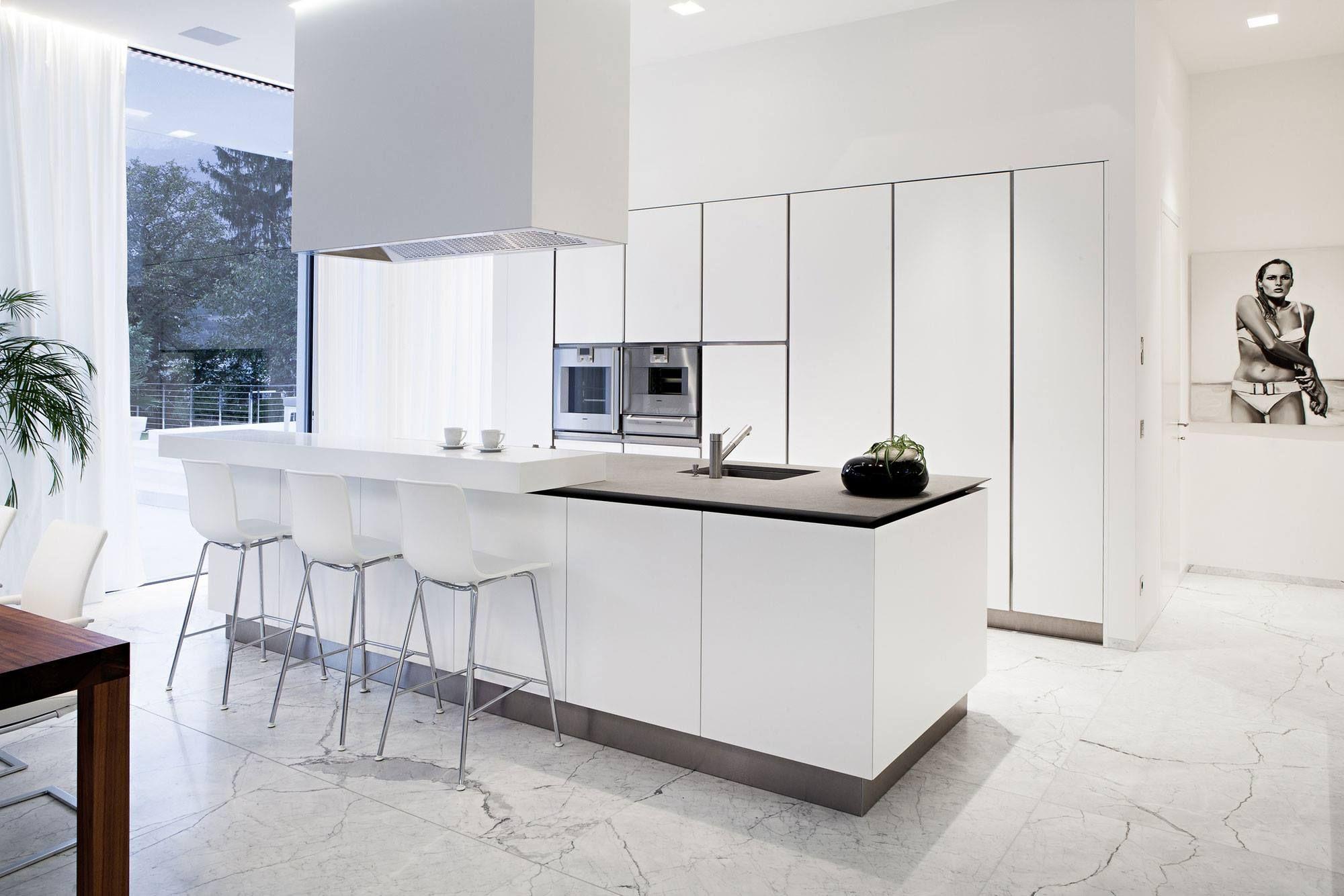 Kitchen - not extractor (love window)