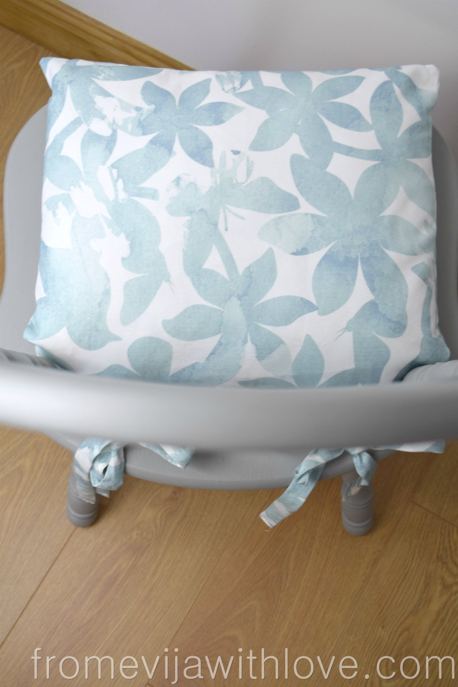 How to Make a Chair Cushion with Ties Chair cushions