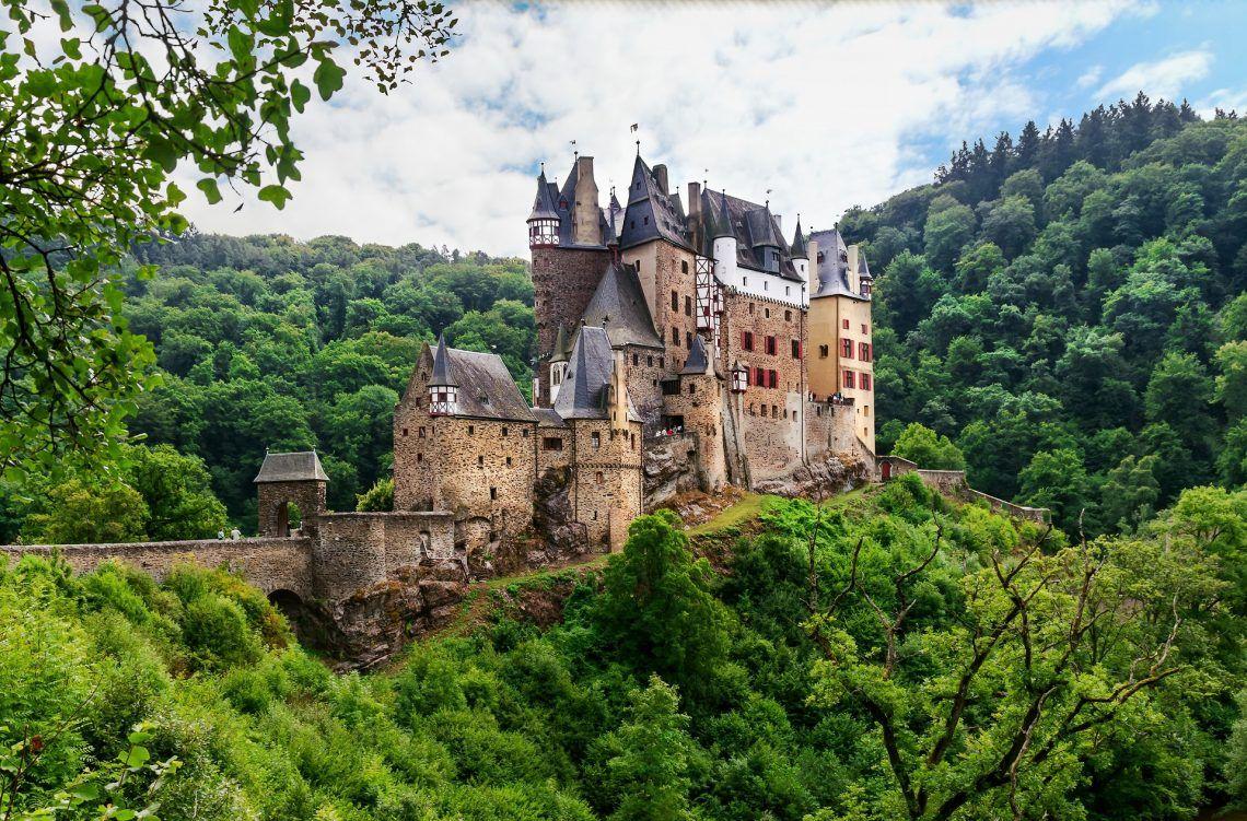 Burg Eltz Shutterstock 154829543 Sehenswurdigkeiten Rheinland Pfalz Burg Pfalz