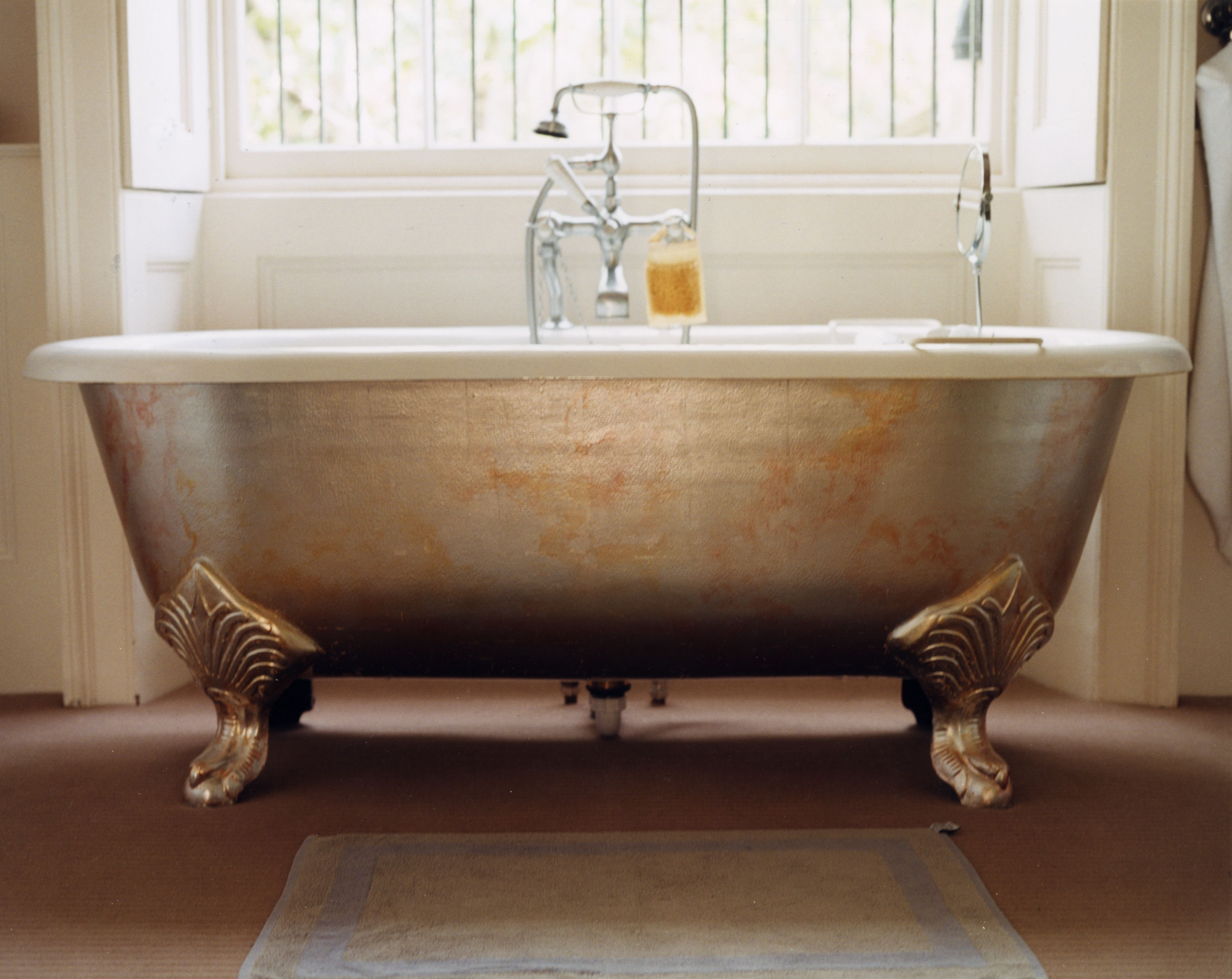A Distressed Silver Leaf Roll Top Bath With Images Roll Top