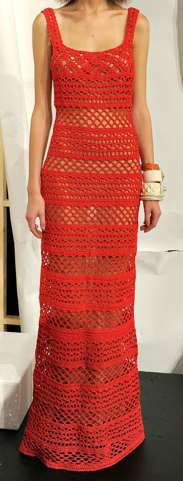 Red lacy maxi dress free crochet graph pattern se puede hacer tan
