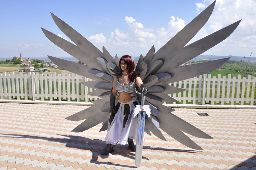 Erza Scarlet Heaven S Wheel Armor Fairy Tail Cosplayer