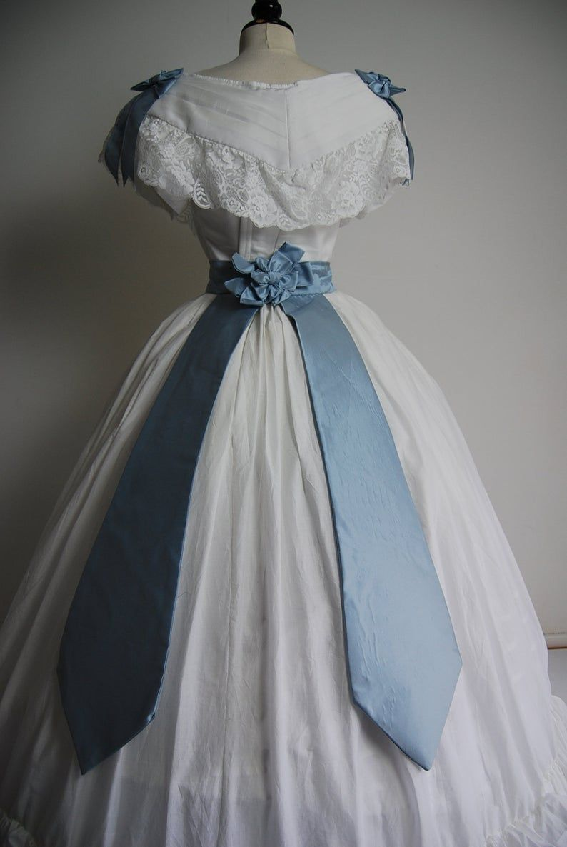 1860 S Victorian Ball Gown Civil War Era Historic Costumes Made To Order Old Fashion Dresses Victorian Ball Gowns Historical Dresses