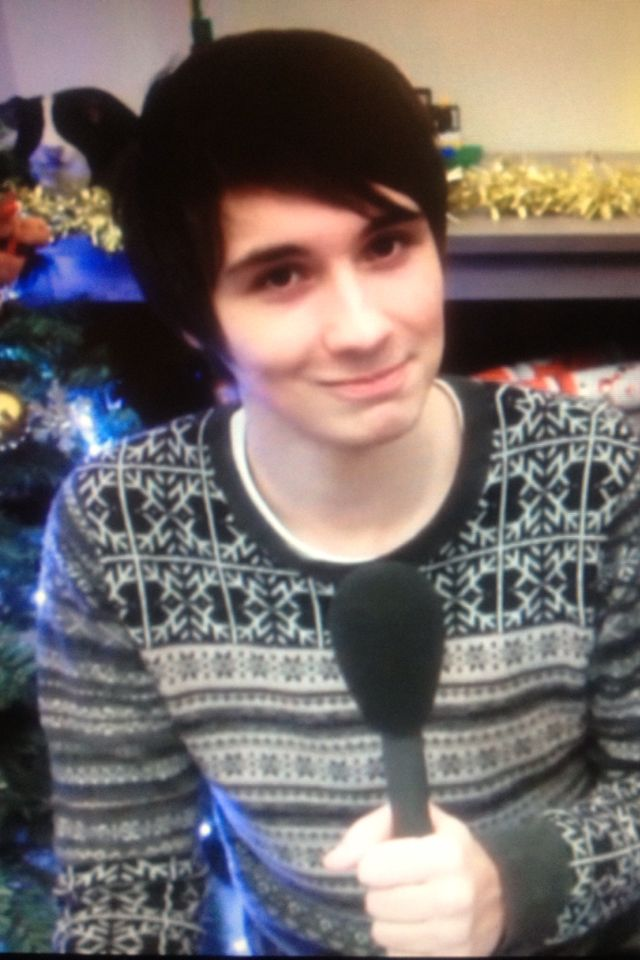 Dan And Phil Christmas Sweater.Love That Christmas Sweater Dan And Phil Dan Phil Dan