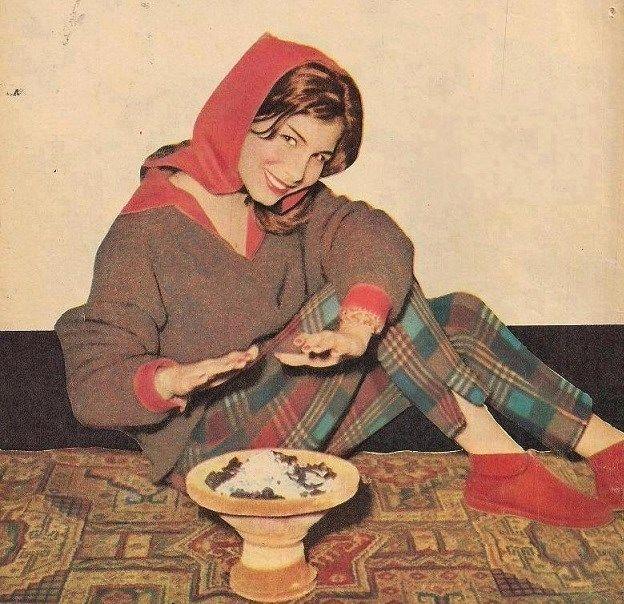 زيزى البدراوى Egyptian Actress Old Pictures Aesthetic Pastel Wallpaper