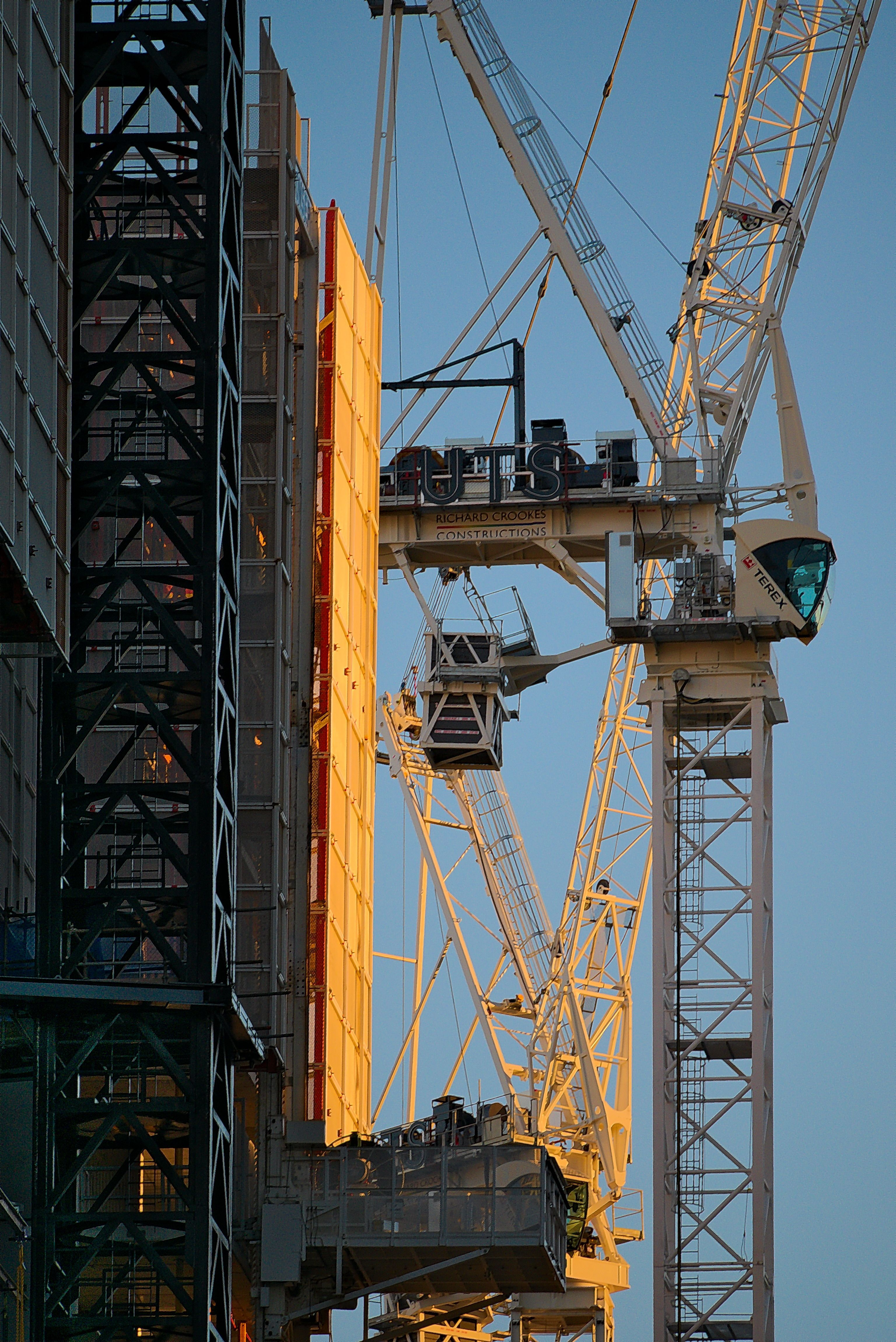 these luffing cranes are on a richards crooks site looking from rh pinterest com Terex Cranes Wind Chart Terex Cranes Wind Chart