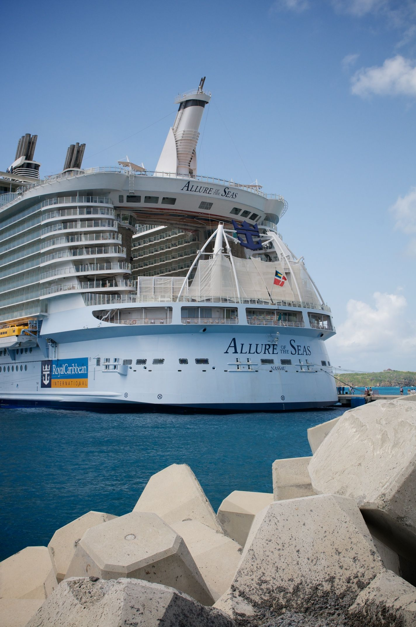 RCCL Royal Caribbean Allure Of The Seas Cruise Ship ...