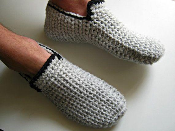 pas cher pour réduction choisir le plus récent regard détaillé Cadeau pour les hommes, chaussons au crochet, pantoufles ...