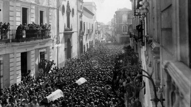 manifestación entierro aviadores 1937
