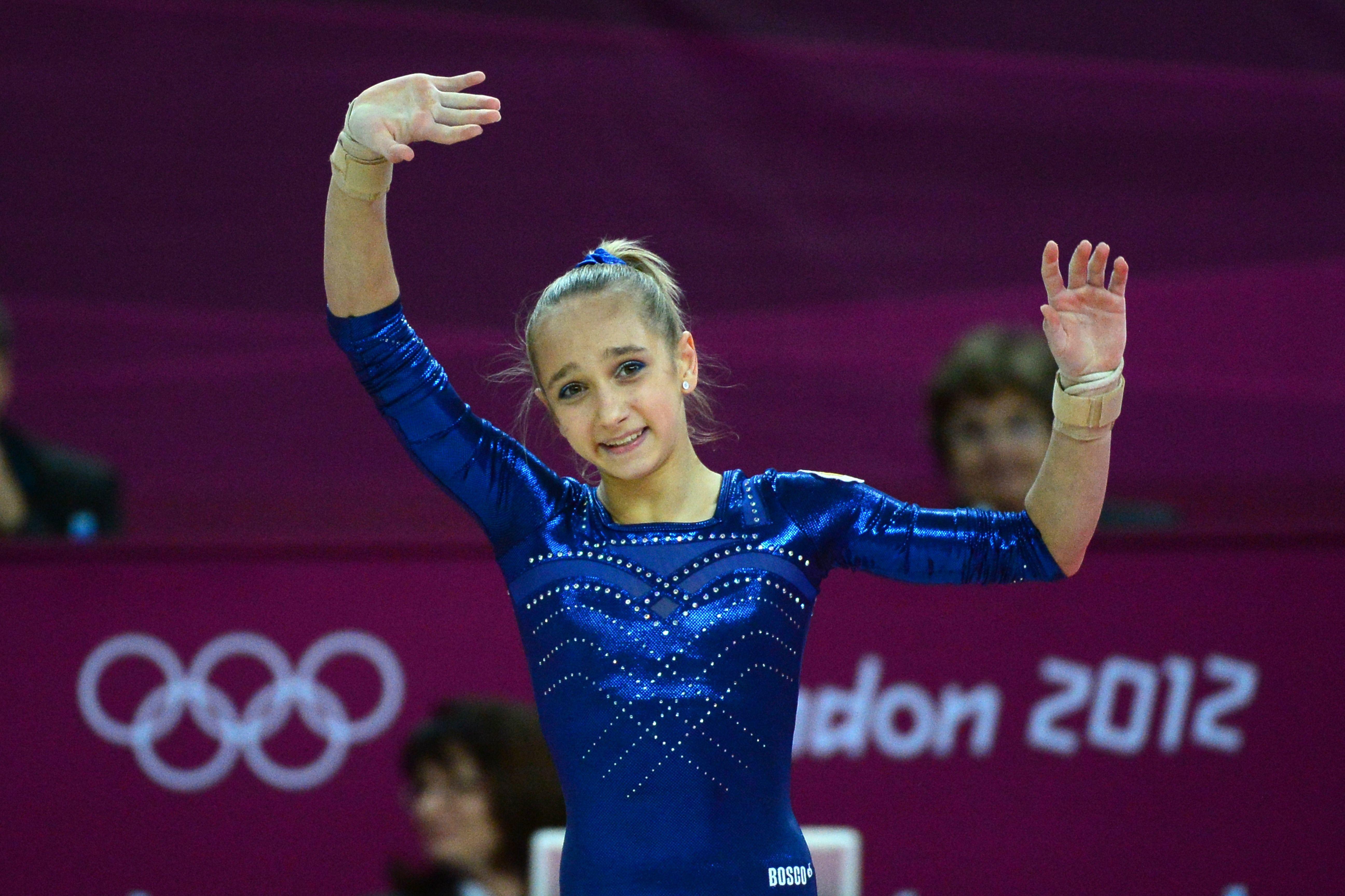 Viktoria Komova || 2015 Russian Nationals AA - Davay