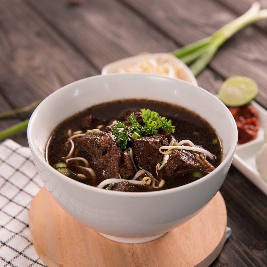 Temukan Resep Rawon Dan Resep Masakan Indonesia Lainnya Di Pinterest Pas Untuk Berbuka Puasa Dengan Ke Resep Masakan Indonesia Masakan Indonesia Jamuan Makan