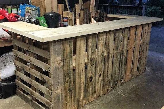 L Endroit Ou Acheter Et Vendre Tout Le Fait Main Making Barn Doors Barn Door Recycled Pallets