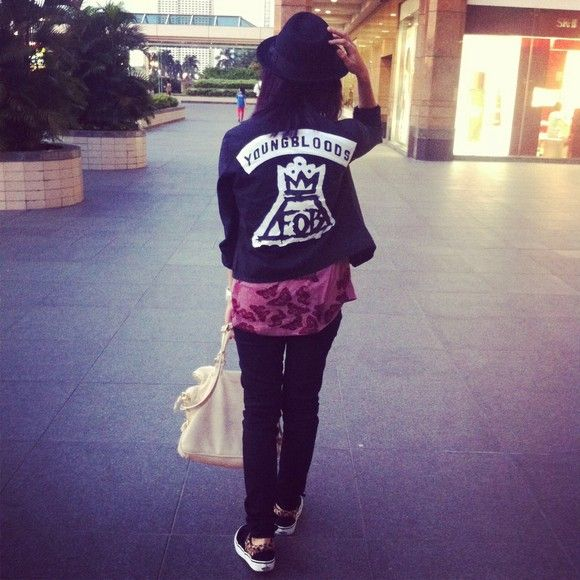 384d10d9c8ef91 Fall Out Boy  Young Blood D.I.Y Jacket. I would sell my soul to satan for  this jacket. I would literally do anything for it.