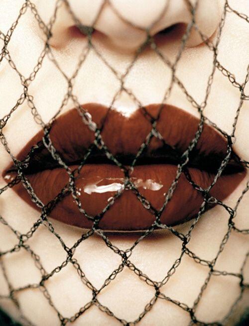 Formalin | Коричневые помады, Раскраска губ, Губы
