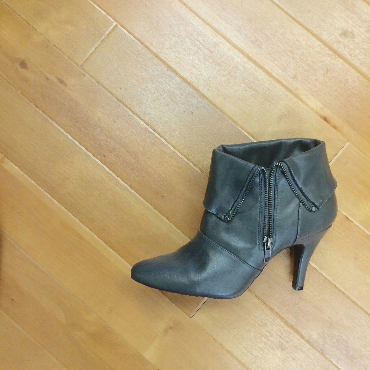 Diba Ankle Boots -- Size 8.5 -- $18!  - - - #michaelkors #mk #michael #kors #handbag #diba #ankleboots #ankle #boots #ajunto #whatsupweekend #cmparkmeadows #clothesmentor #hotitemsdaily #upscaleresale #resale #namebrands #whypaymore #shopclothesmentor #shop #with #us