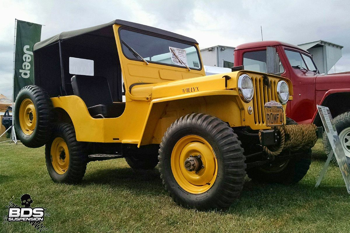 canary bright yellow real old fashioned Jeep Mudder | vintage US ...