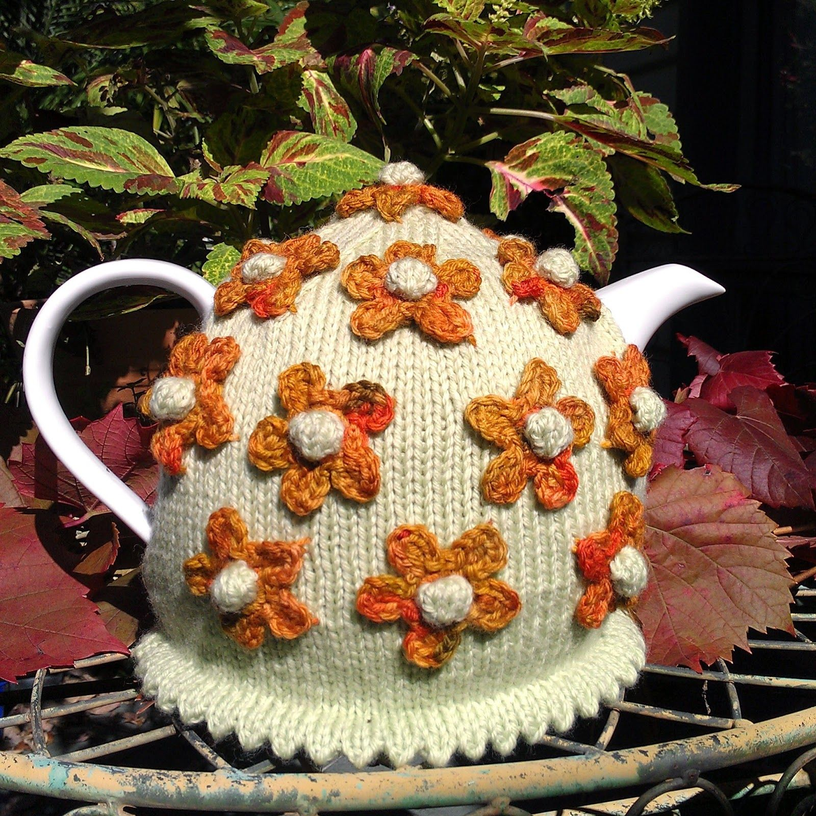 Craft a cure for cancer: Flower tea cosies   knitting   Pinterest