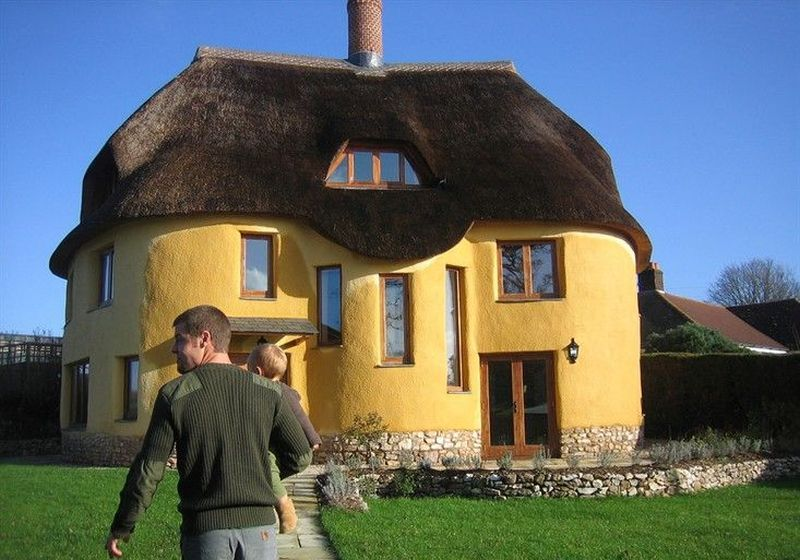 10 Best Cob Houses & the Benefits of Building e