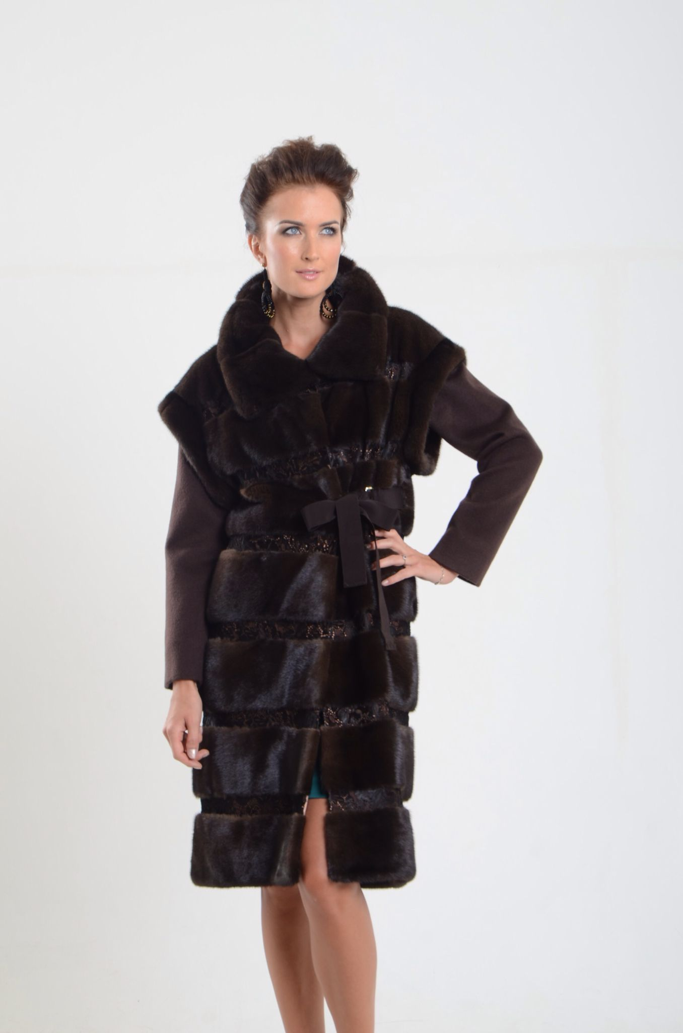 Dyed Mink And Swakara Lamb Fur Coat with Cashmere Sleeves | pels ...