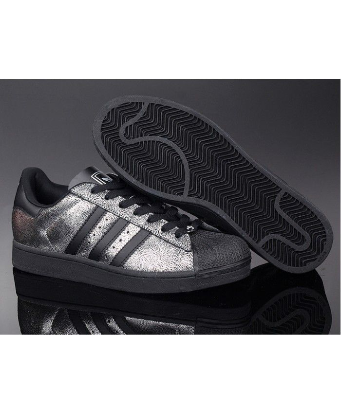 official photos 24f71 bbc7e Adidas Superstar Black Silver Trainers