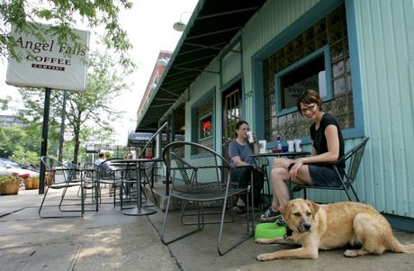 Highland Square Akron >> Akron S Highland Square Tries To Save Theater Coffee And Cafes