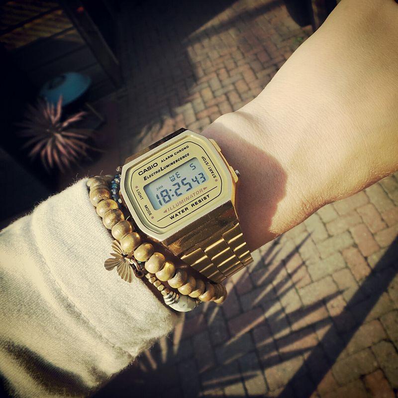 Gold #Casio #watch http://neonwatch.tumblr.com/post/101744918811 ...
